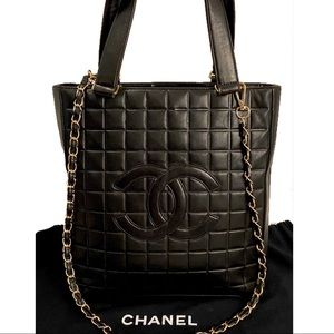 CERT. AUTH. CHANEL CC CHOCOLATE BAR TOTE